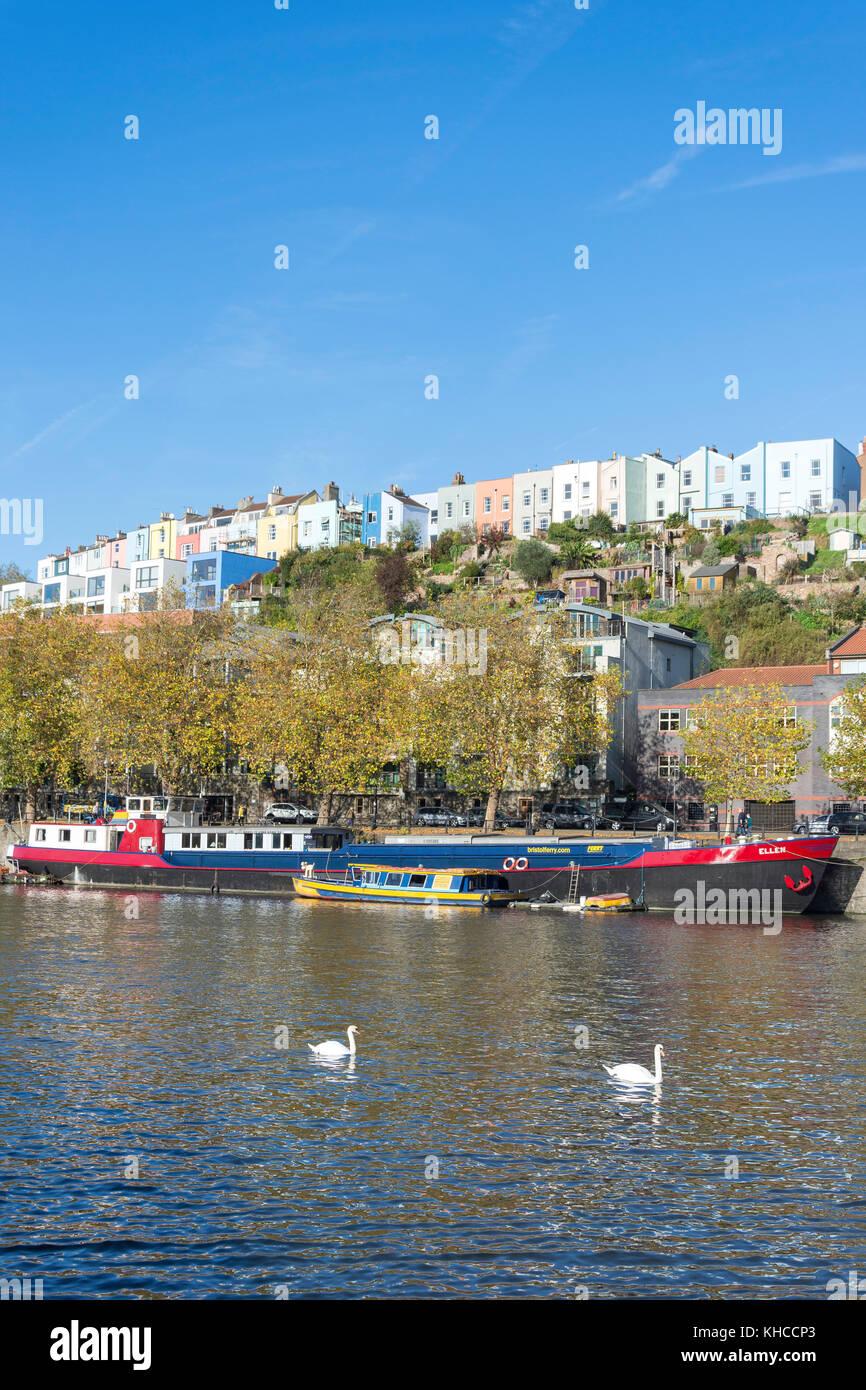 Ferry boats sur Riverside port flottant, bois, Clifton, Bristol, England, United Kingdom Banque D'Images