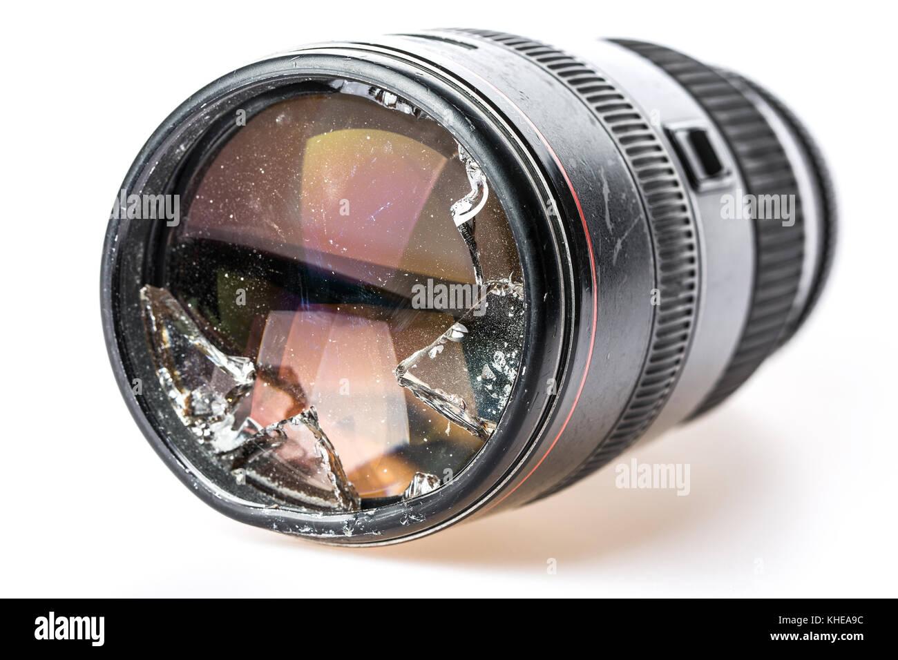Un objectif de l'appareil photo cassé brisé Photo Stock