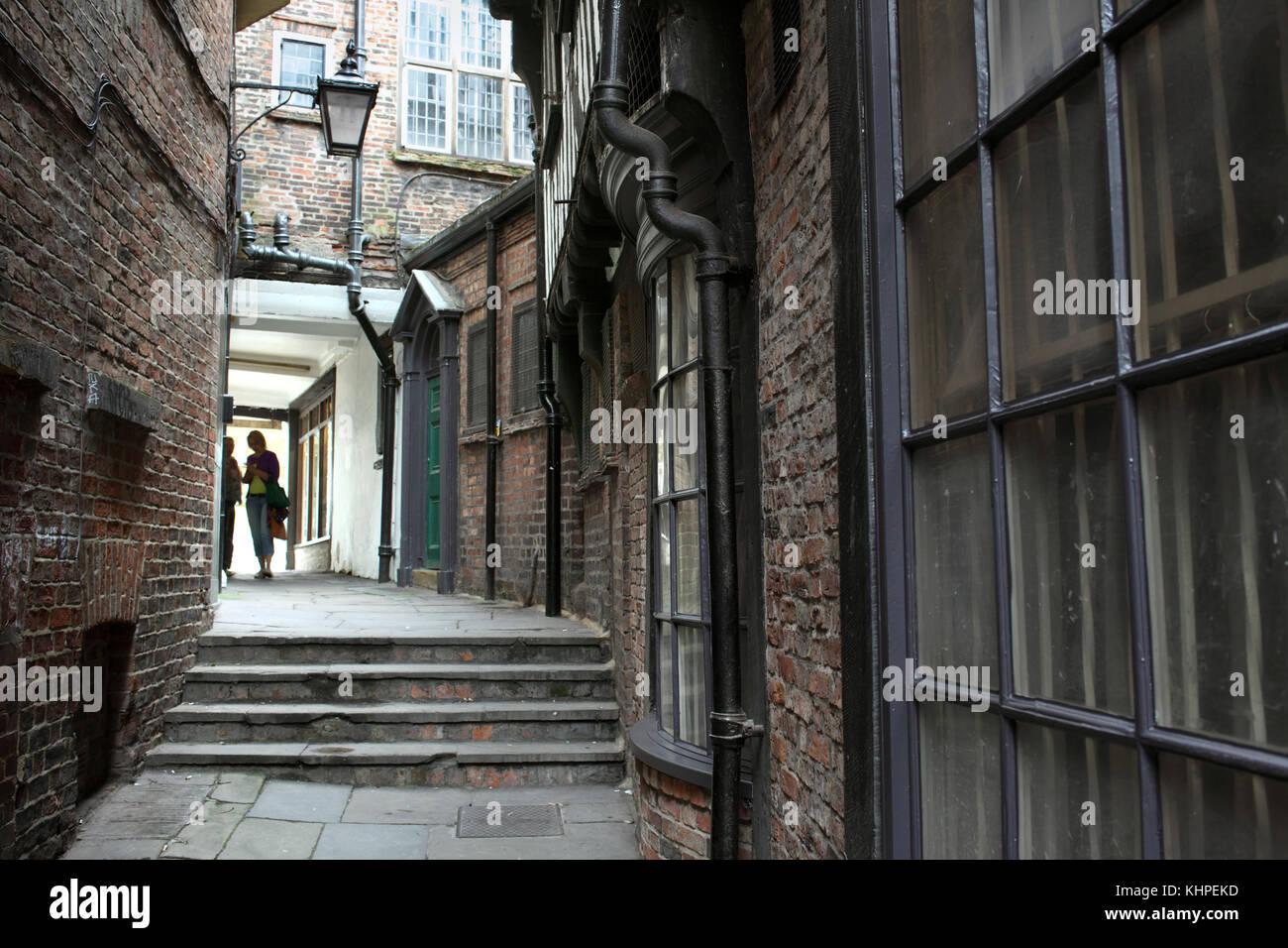 Lady peckett's Yard, l'une des nombreuses ruelles étroites qui se faufilent à travers le centre ville de New York. Banque D'Images