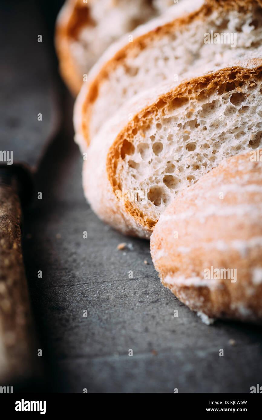 Tranches de pain au levain Photo Stock