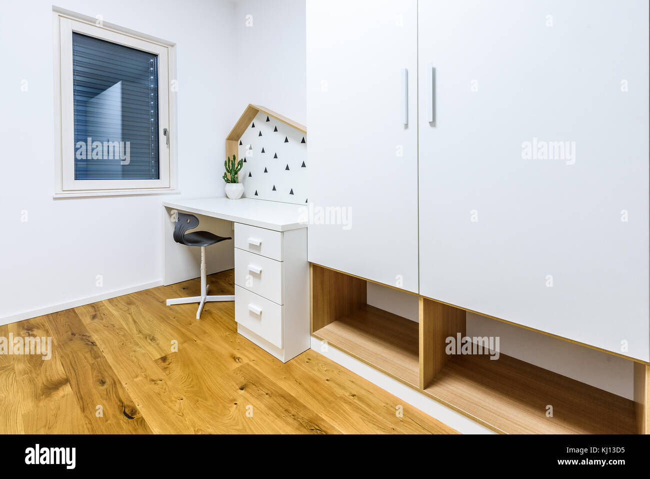 Les enfants jouent moderne chambre avec lit et bureau d étude