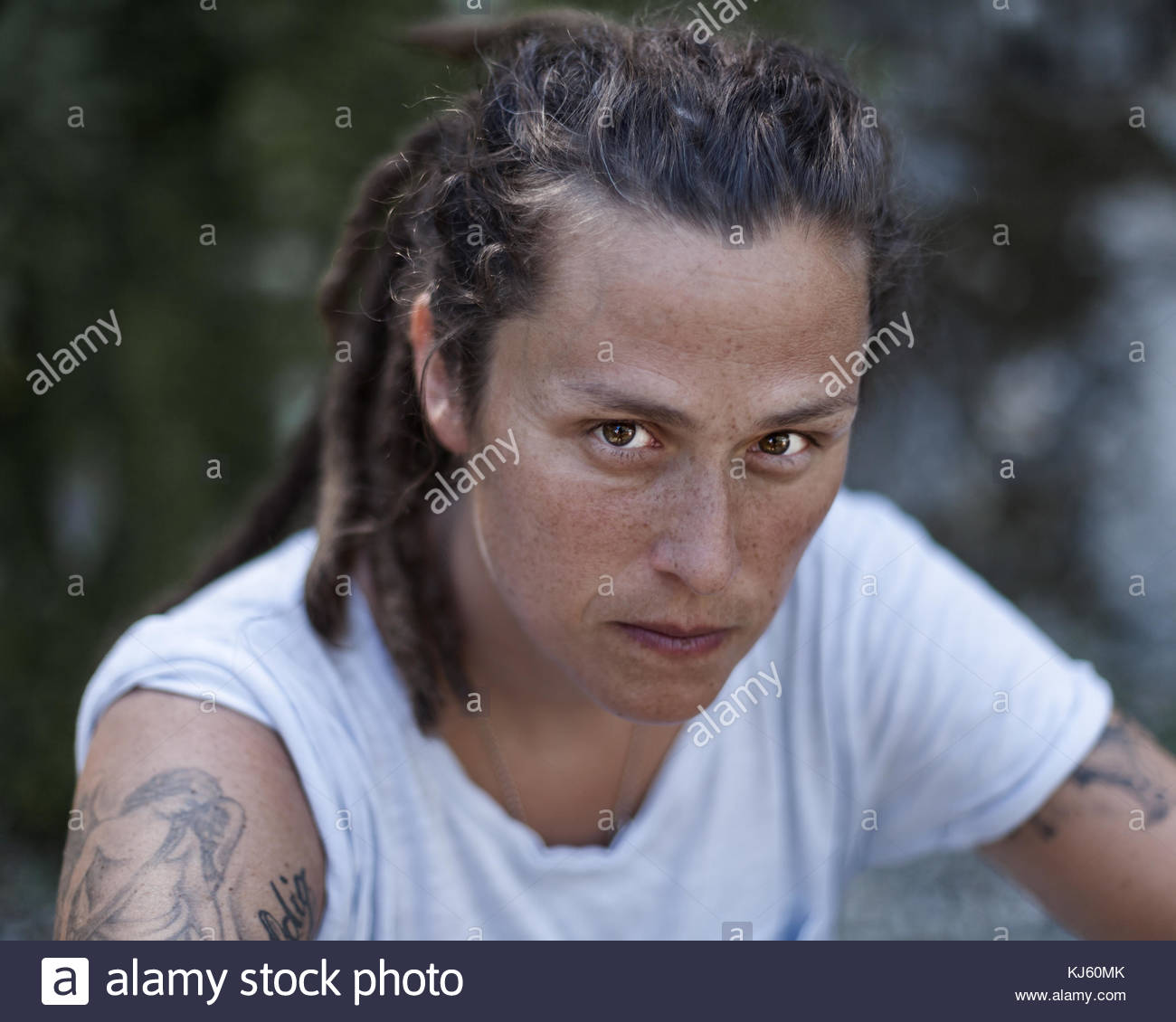 Dreadlock femme avec tattoo Photo Stock