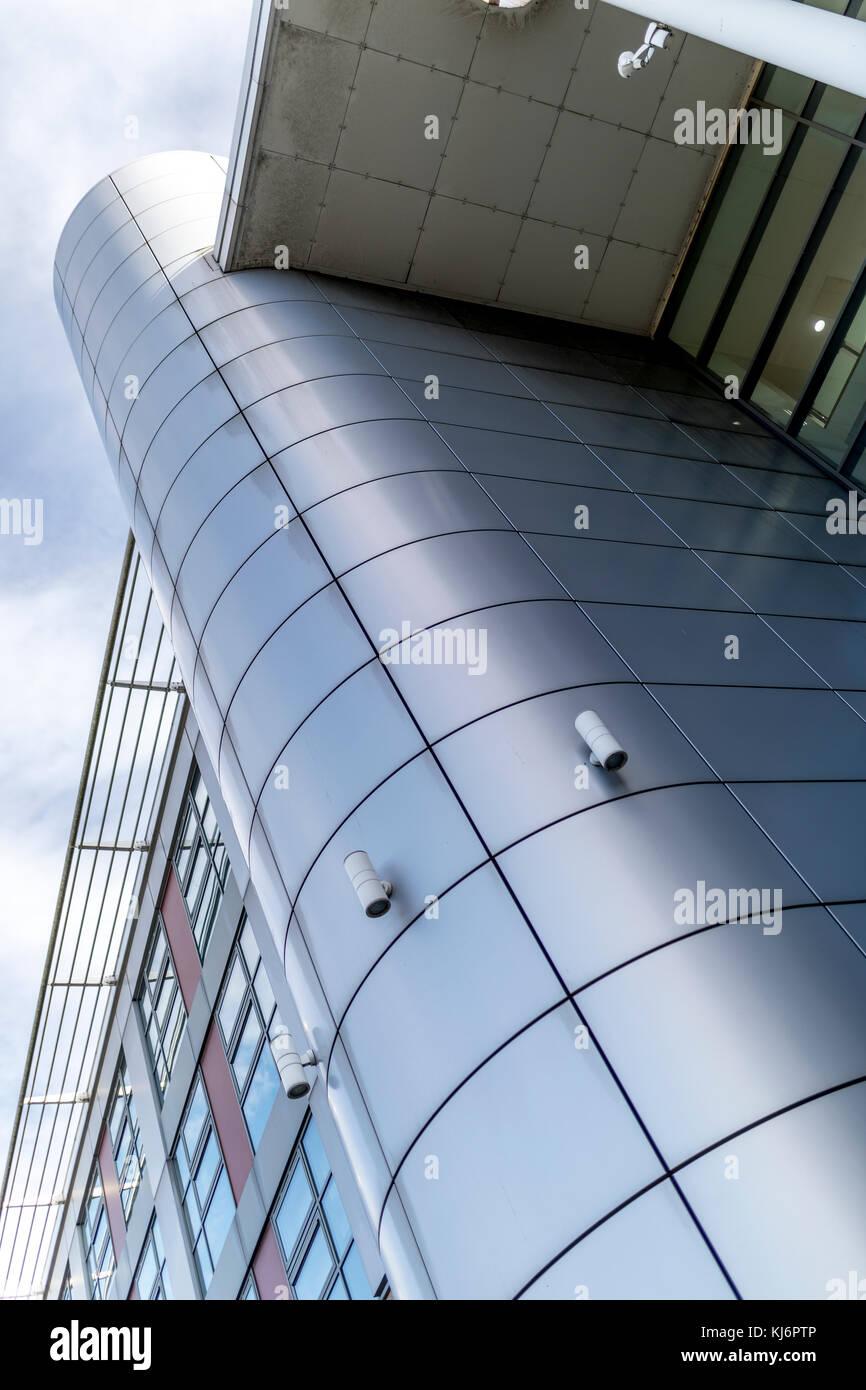ou argent gris bardage donne une architecture ultra moderne et
