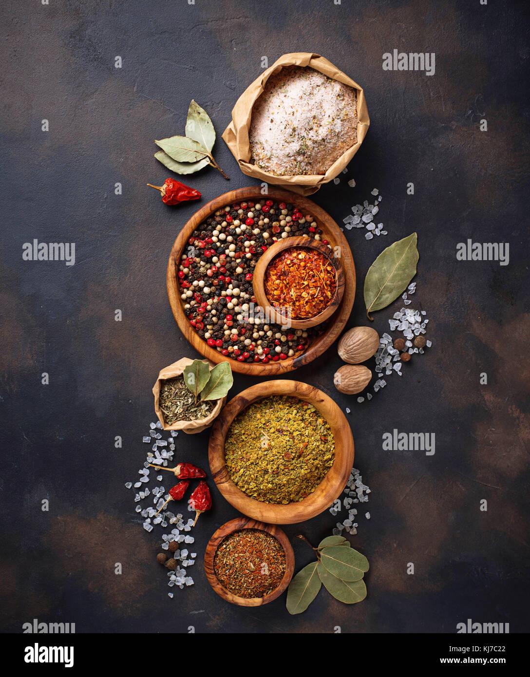 Différents types d'herbes et d'épices Photo Stock
