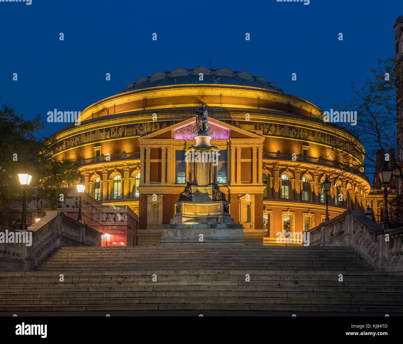 Jubilé de diamant de la reine Elizabeth II comme suit, le Royal Albert Hall, Londres, UK at Dusk Photo Stock