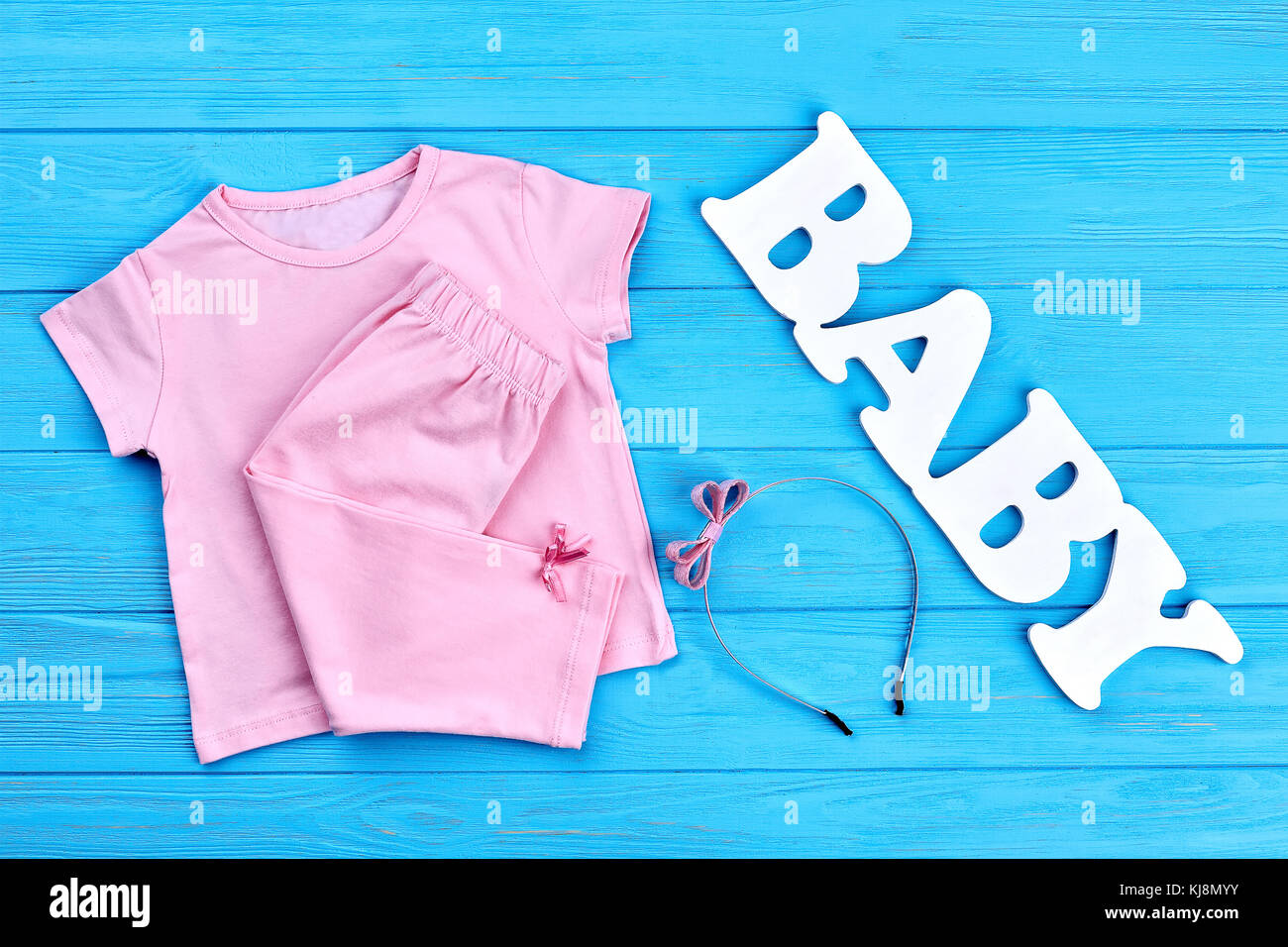 ff603c3ef1f33 Vêtements bébé fille et serre-tête. nouvelle marque de vêtements pour bébé-fille  et fgure mot bébé