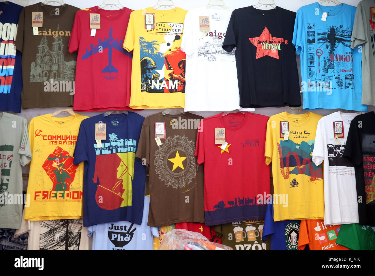 Boutique Textile. Vietnam t-shirts. Ho Chi Minh Ville. Le Vietnam. Photo Stock