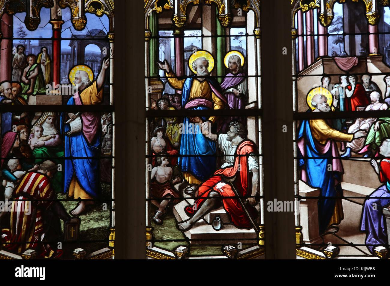 Eglise Notre Dame, Dives-sur-Mer. Vitrail. Photo Stock