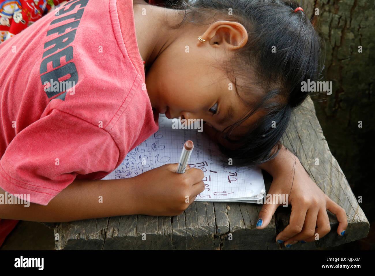 Lycéenne Khmer. Battambang. Le Cambodge. Photo Stock