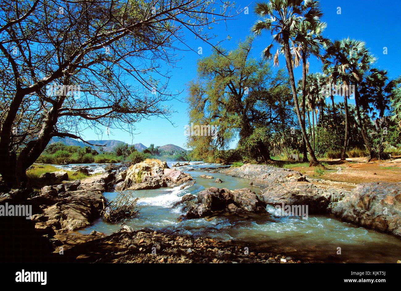 Epupa Falls sur la rivière Kunene. La Namibie. Banque D'Images