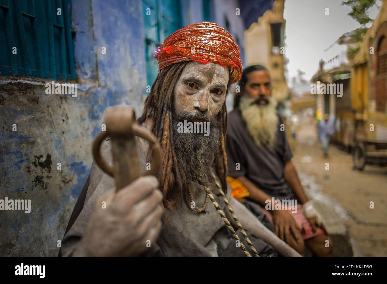 De bénarès sadhu noir - 10/08/2013 - - - sadhu aghori sylvain leser / le pictorium Banque D'Images