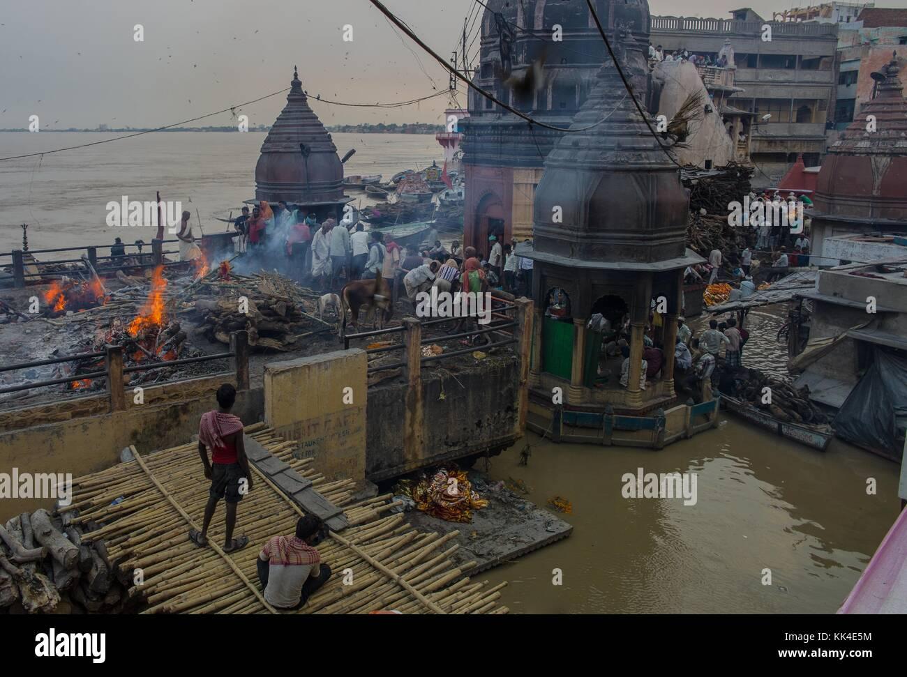 La crémation manikarnika à Varanasi - 14/08/2013 - - - sylvain leser / le pictorium Banque D'Images