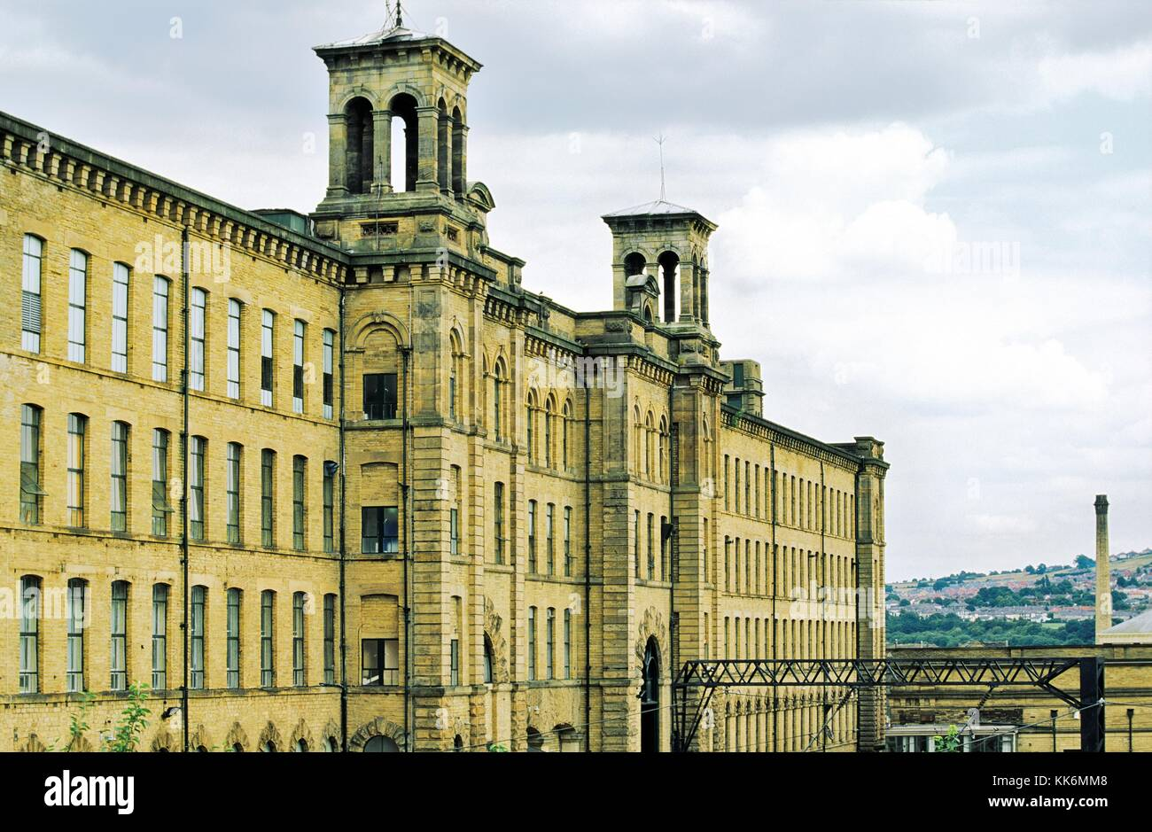 Saltaire, West Yorkshire, Angleterre. L'ère industrielle textile victorienne du sel moulin construit par Photo Stock