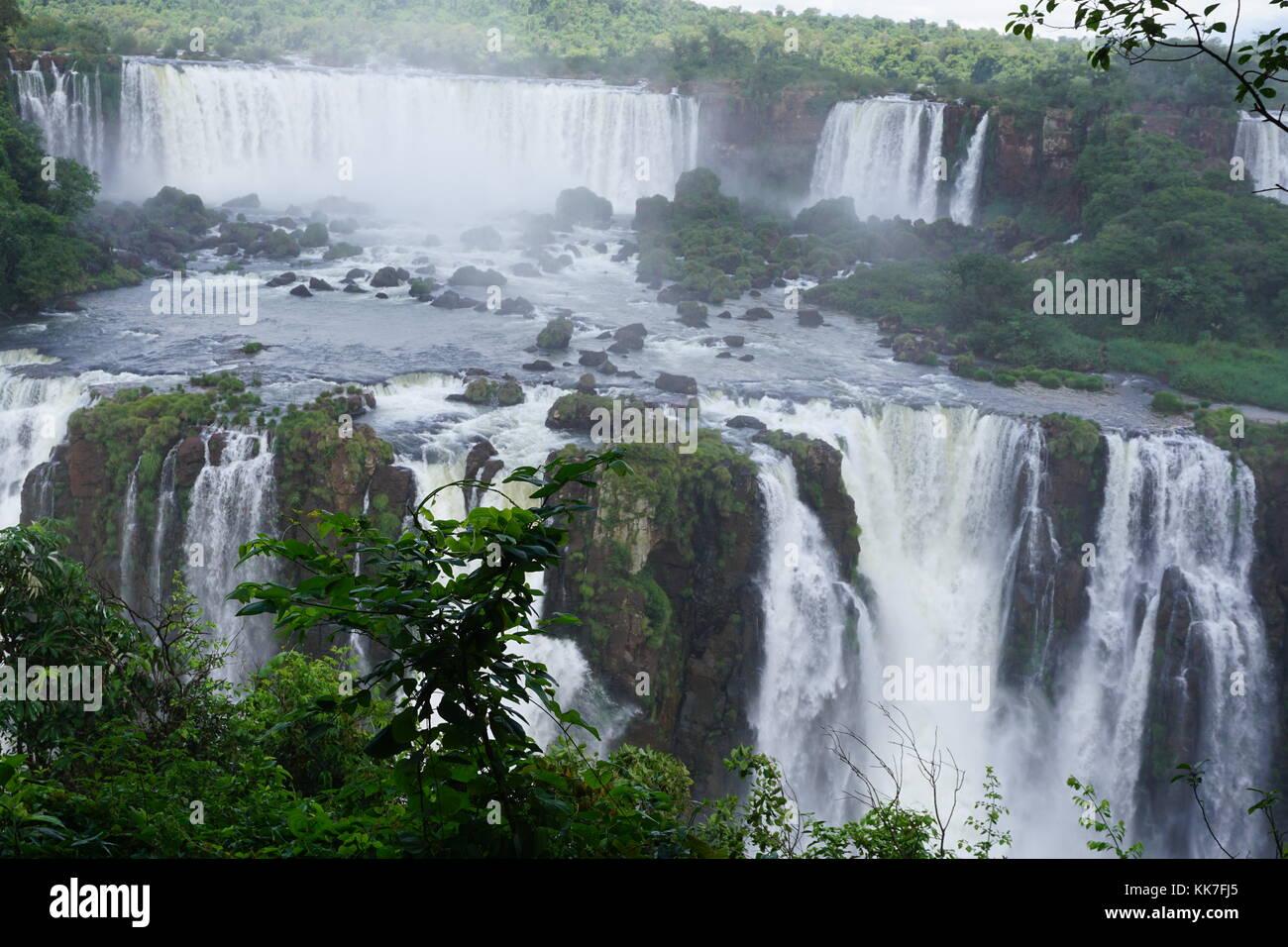 Iguazu Falls, chutes d'Iguazú, Iguassu Falls, ou des chutes d'Iguaçu, l'Amérique du Sud Banque D'Images