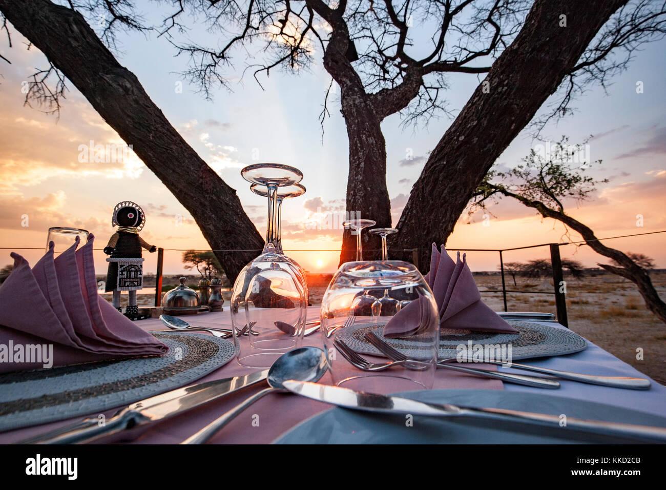 Coucher du soleil à onguma le fort, onguma game reserve, la Namibie, l'Afrique Photo Stock