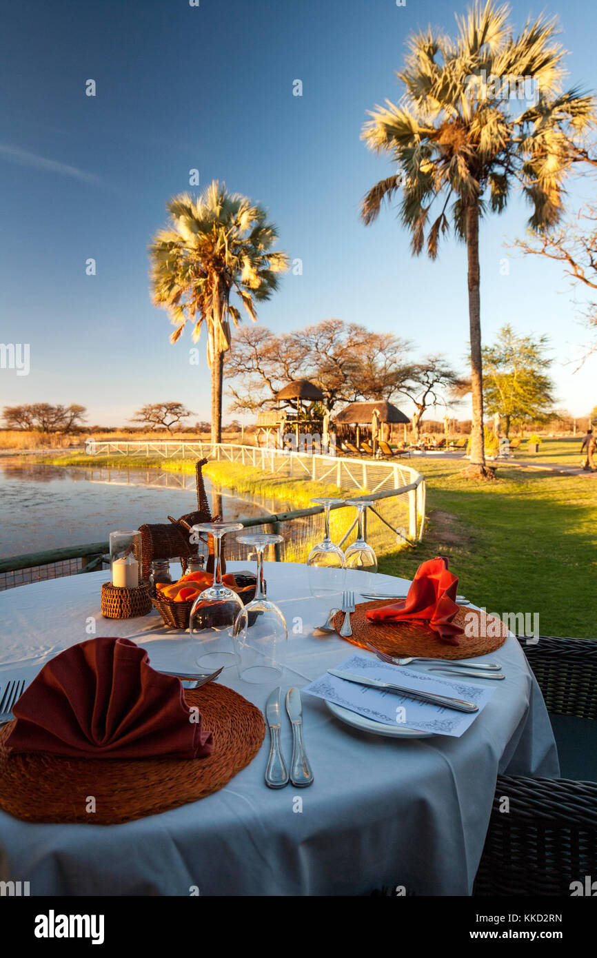 Coin repas extérieur à Onguma Bush Camp, onguma game reserve, la Namibie, l'Afrique Banque D'Images