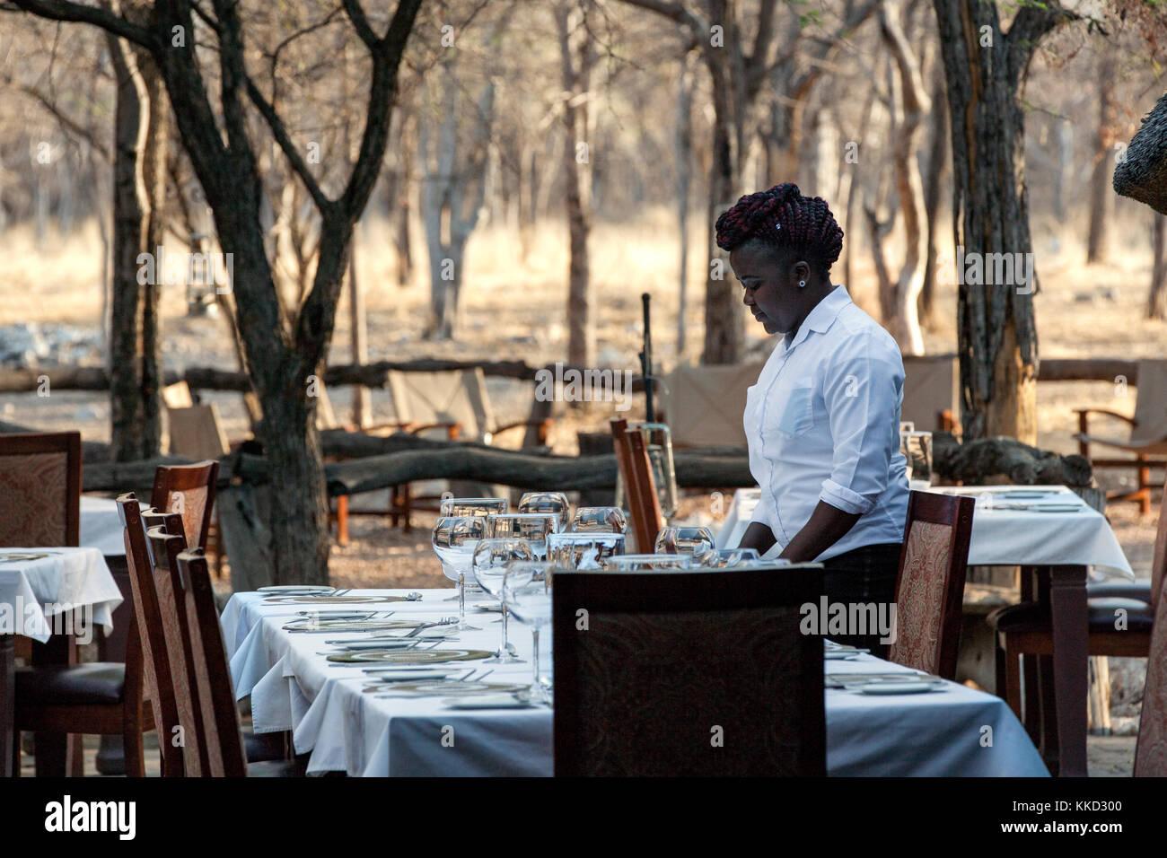 Coin repas extérieur à etosha aoba lodge, onguma game reserve, la Namibie, l'Afrique Banque D'Images