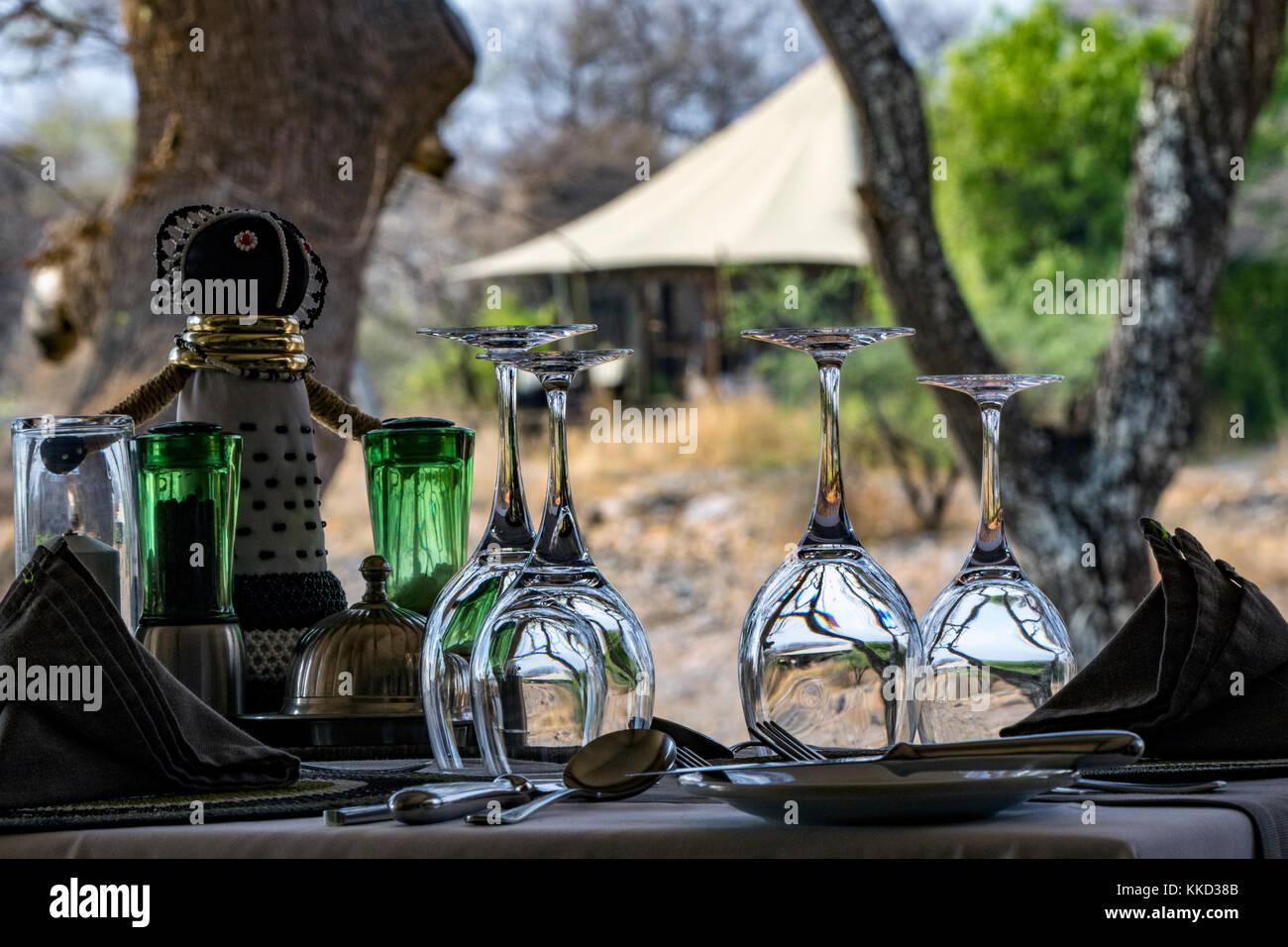 Coin repas extérieur à onguma Tented Camp, onguma game reserve, la Namibie, l'Afrique Banque D'Images