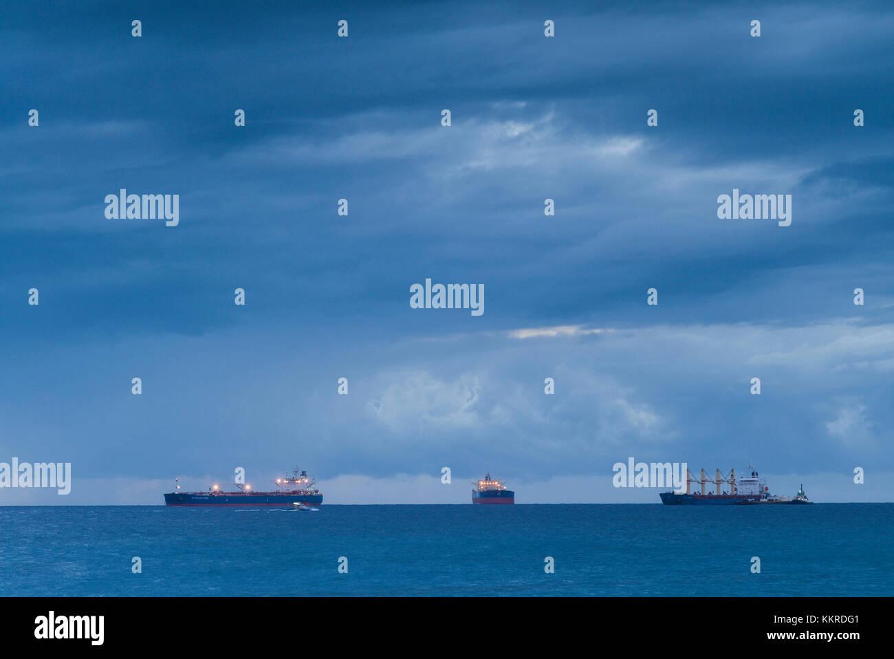Pays-bas, Saint Eustache, Oranjestad Oranjestad, bay, pétroliers, crépuscule Banque D'Images
