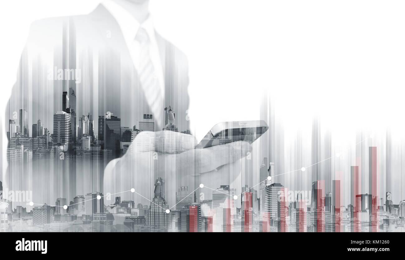 Double exposition Portrait téléphone intelligent avec des bâtiments modernes. La croissance de l'entreprise et l'investissement Banque D'Images
