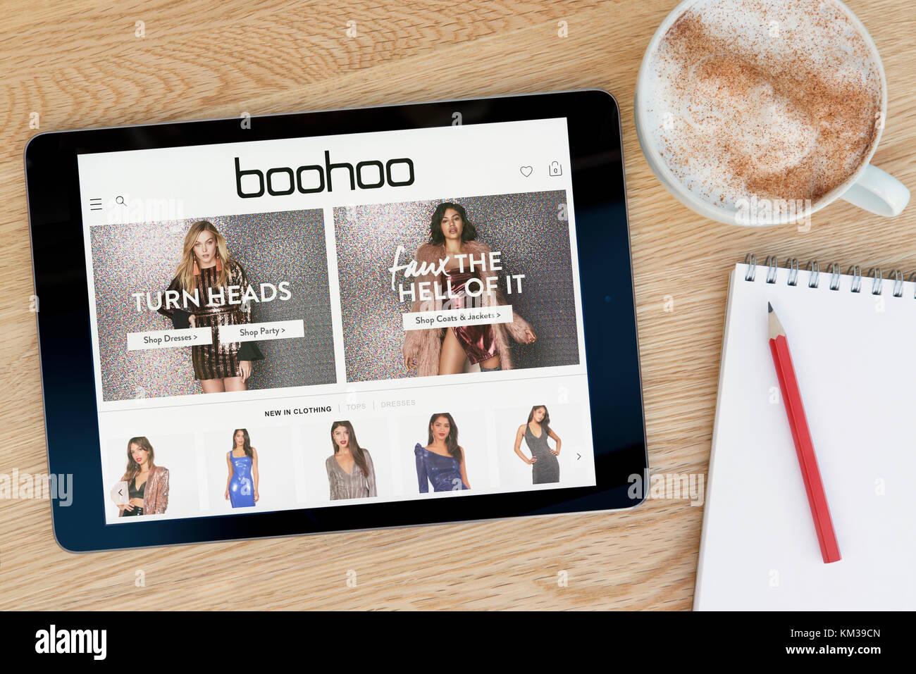 8285f959292 Le site web dispose d'un sur Boohoo iPad tablet device qui repose sur une