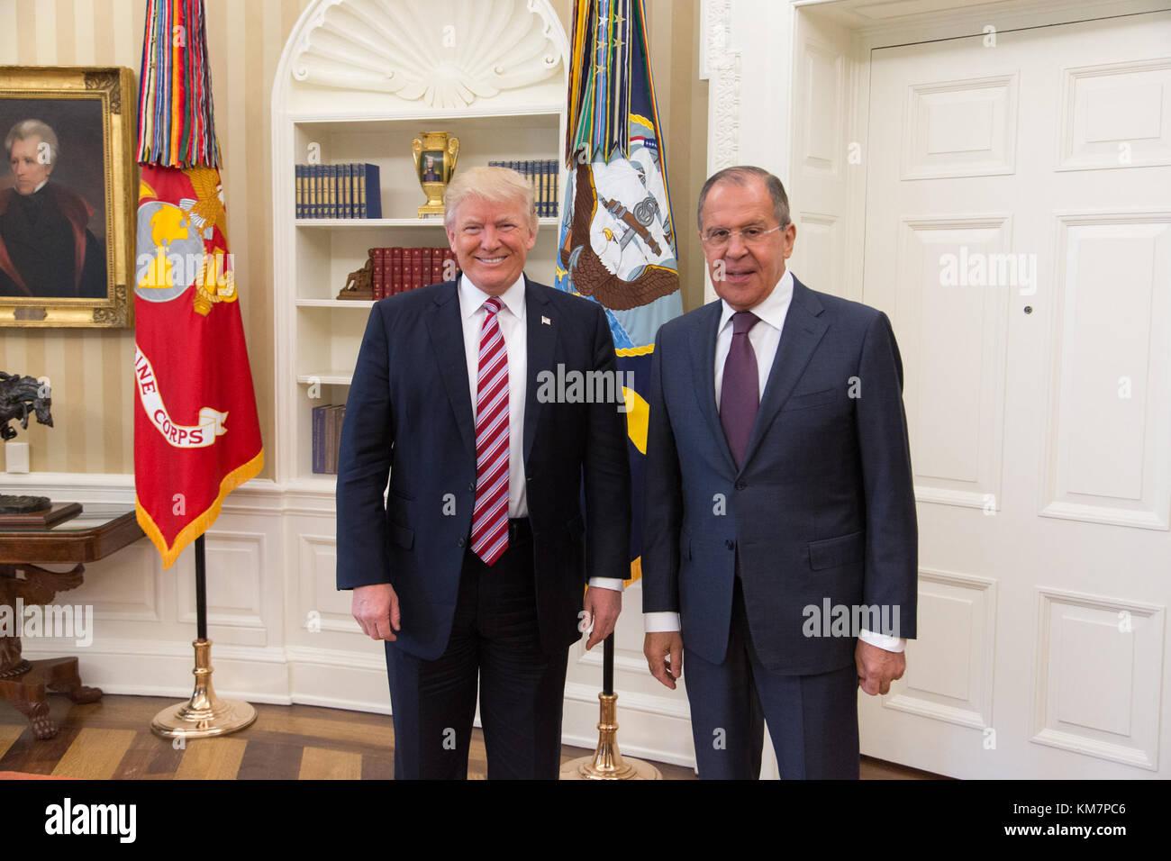 Donald trump n entrera pas dans le bureau ovale en sputnik