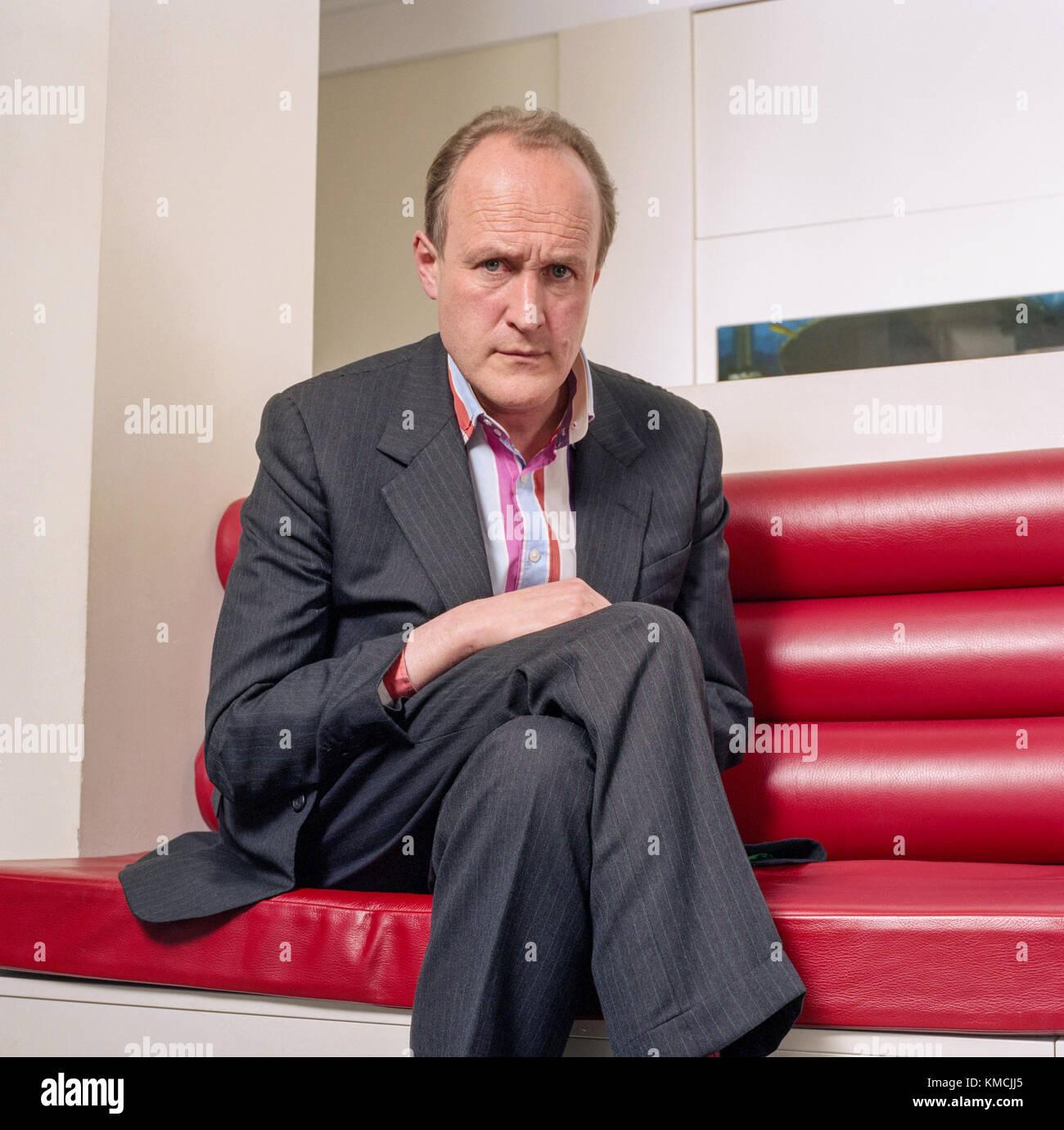 Sir Peter bazalgette, producteur de télévision français, photographiés à l'endemol bureaux à Shepherd's Bush, Londres, Angleterre, Royaume-Uni. Banque D'Images