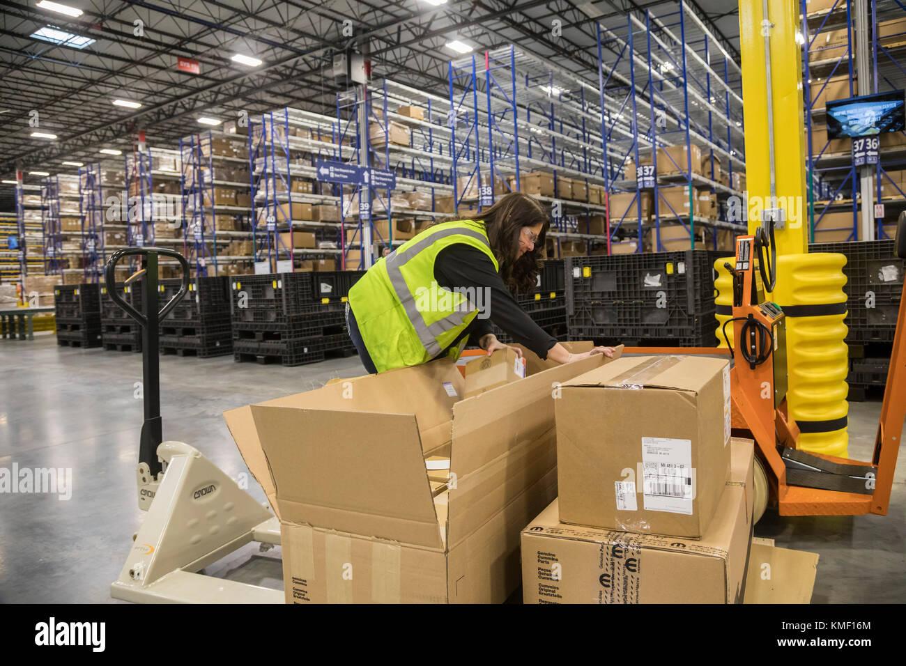 Romulus, Michigan - un centre de distribution de pièces détachées auto Mopar mopar. est le fonctionnement Photo Stock
