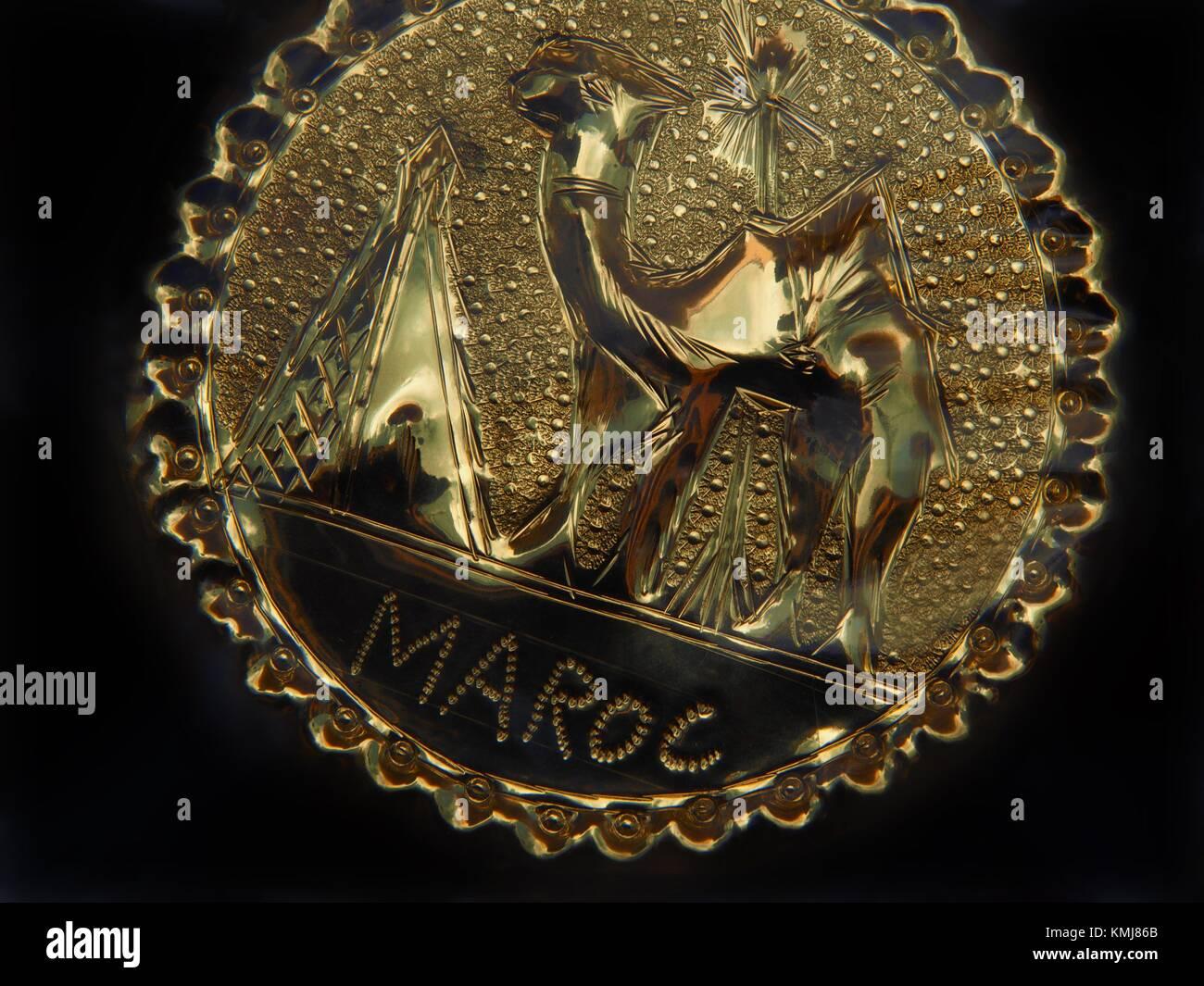 Le Maroc, artisanat, plaque de cuivre. Photo Stock