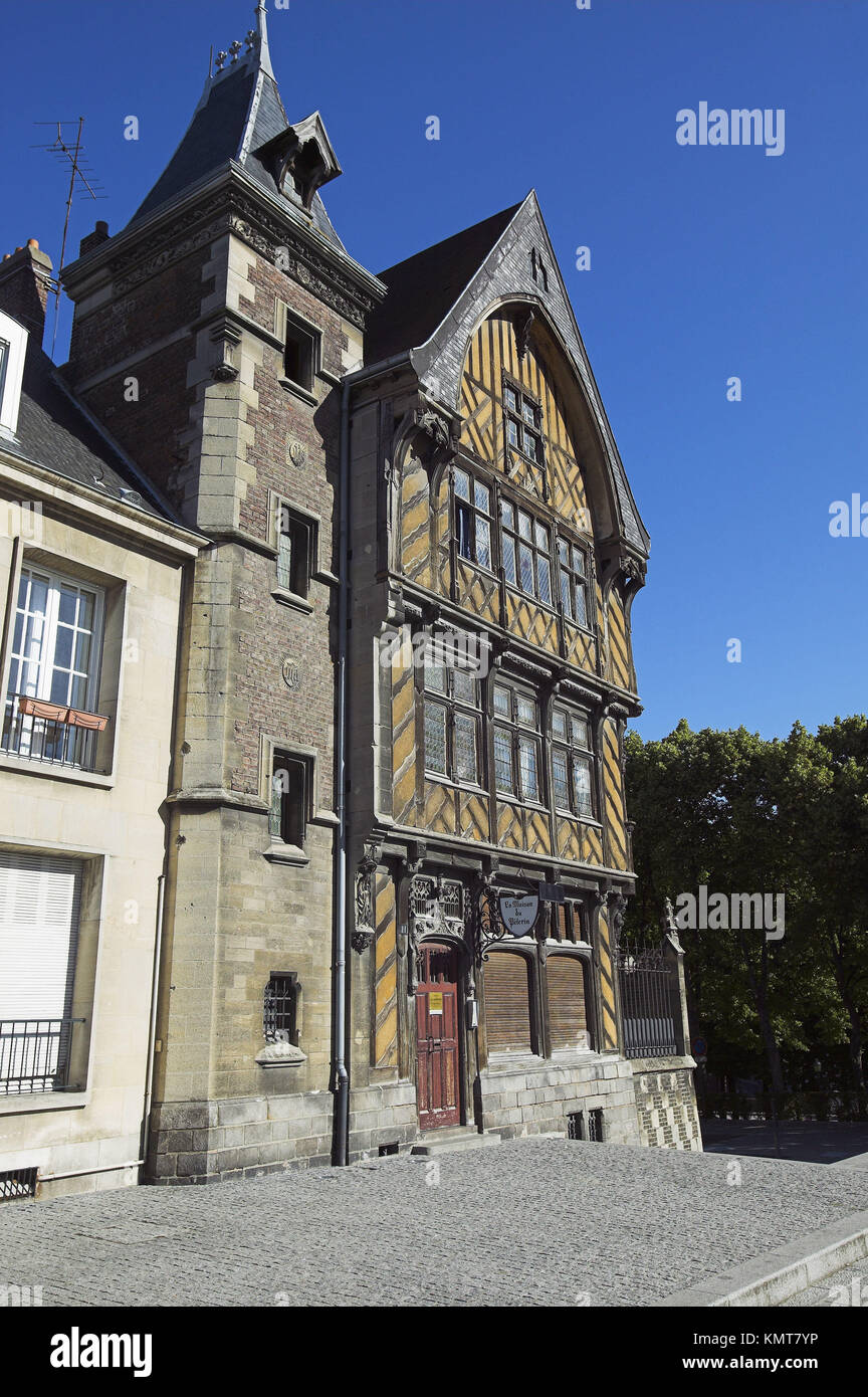 typical architecture amiens photos typical architecture amiens images alamy. Black Bedroom Furniture Sets. Home Design Ideas