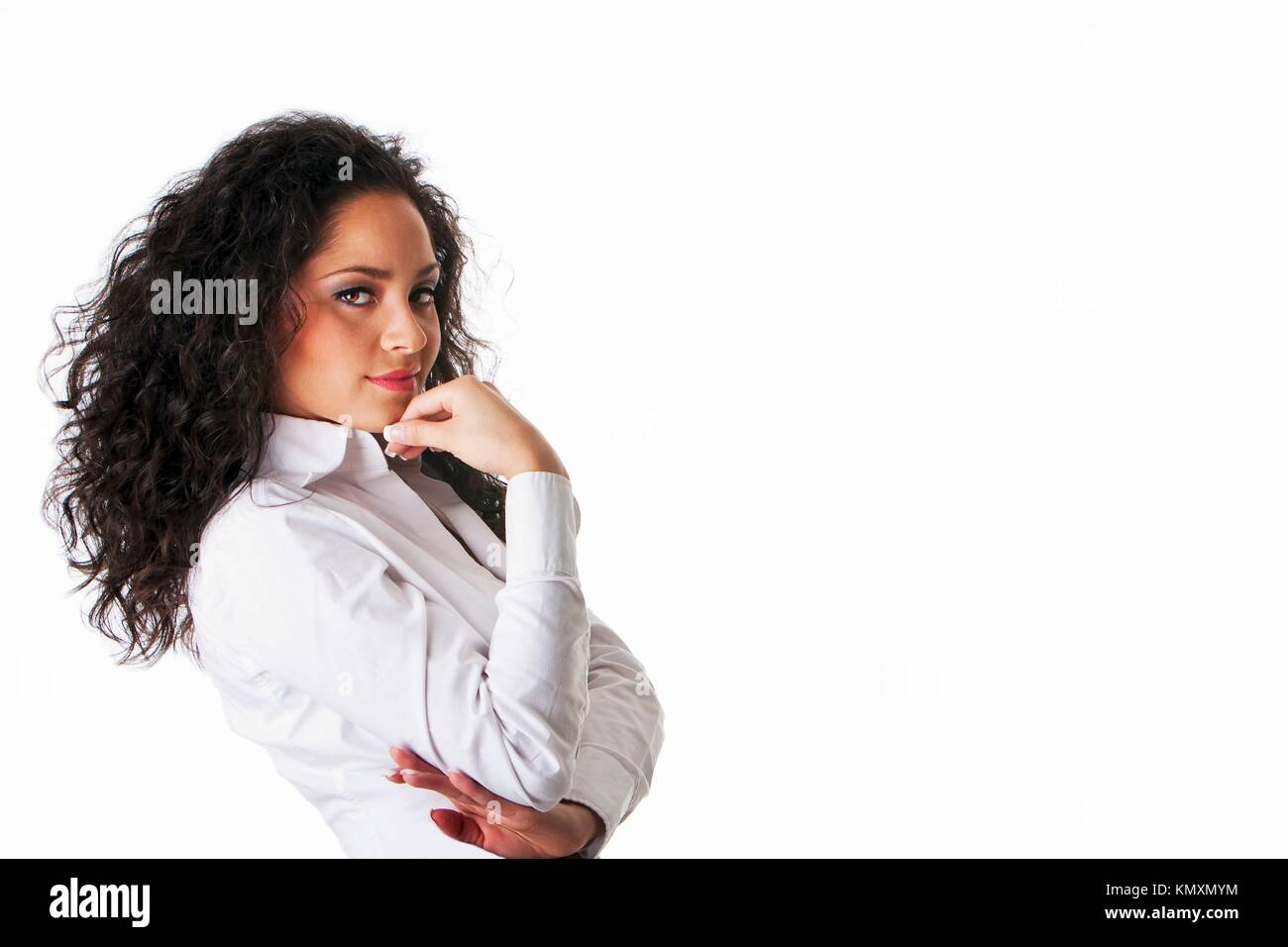 6a531f8619b Beau Young Hispanic Latina jeune femme d affaires avec les cheveux bouclés  brun tanné Cute brunette