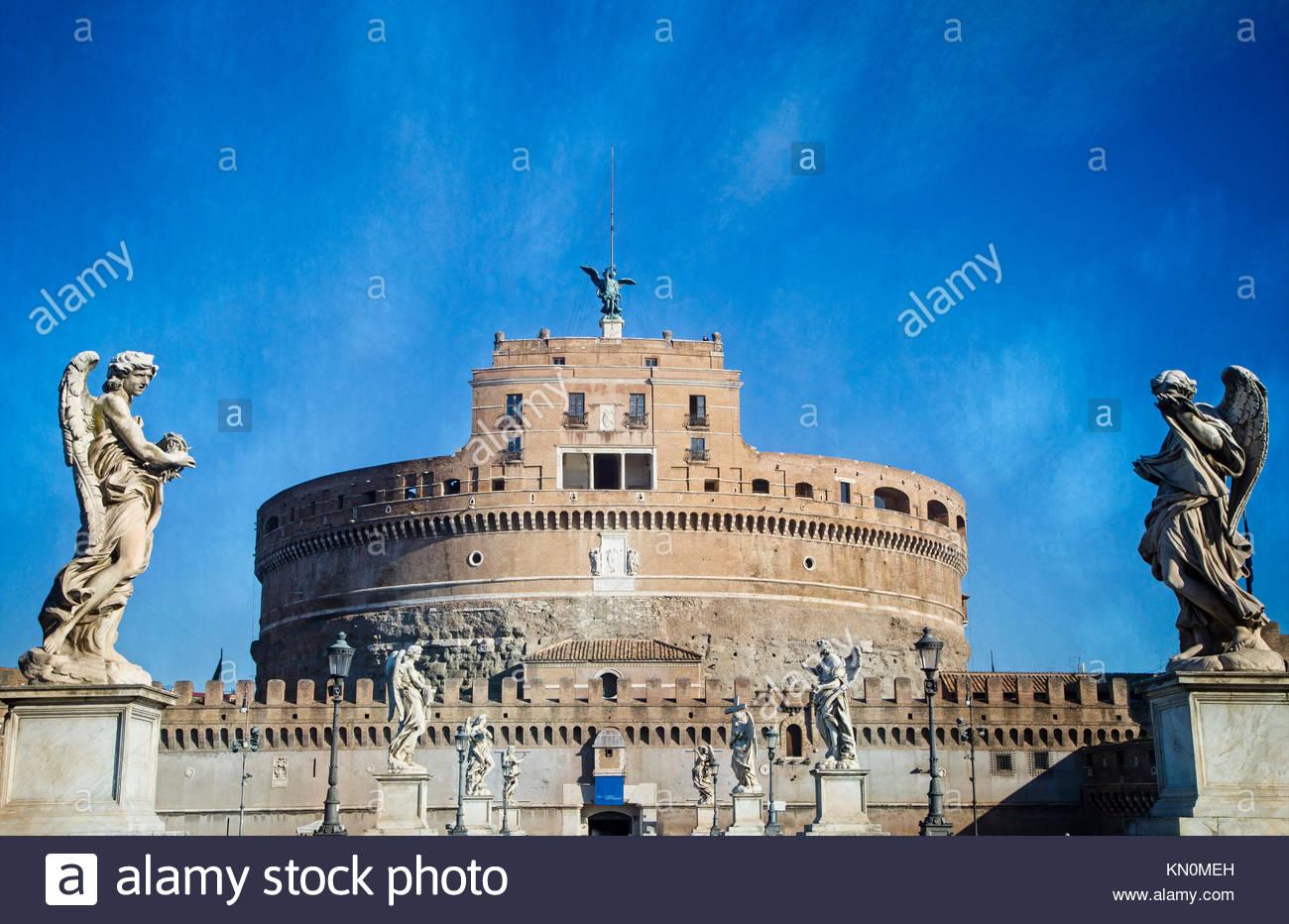 Le Château Sant'Angelo à Rome, l'Italie est le Mausolée d'Hadrien qui fut achevée en 139 AD. Banque D'Images