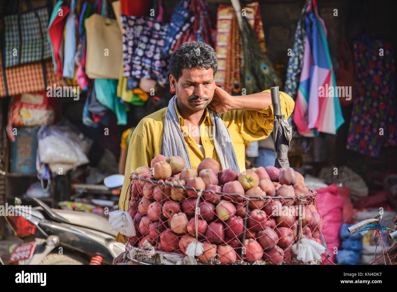 Fournisseur Apple à Durbar Square. Katmandou, Népal Photo Stock