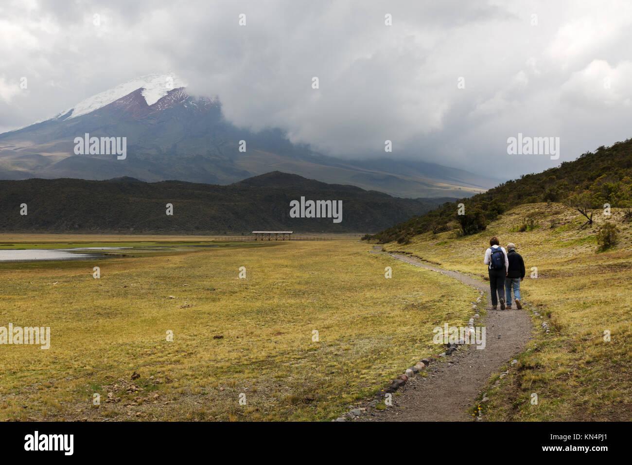 Parc National Cotopaxi, Equateur - personnes à pied dans le parc, l'Équateur, en Amérique du Photo Stock