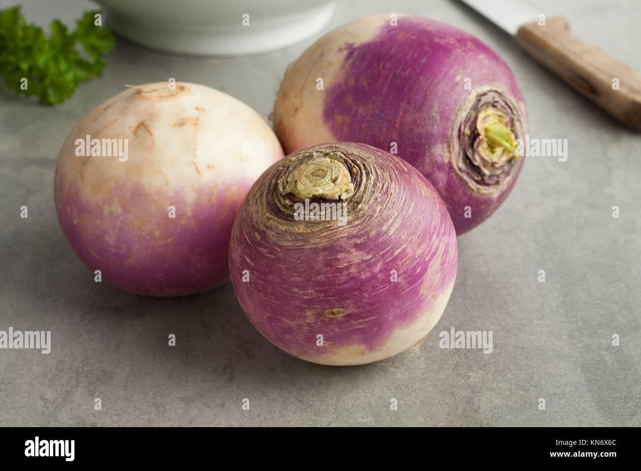 Matières premières fraîches navets blancs. Photo Stock