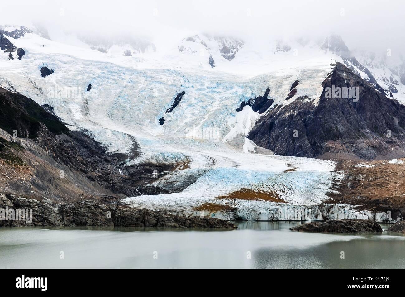 À pied du Cerro Torre, El Chalten, Patagonie, Argentine. Banque D'Images