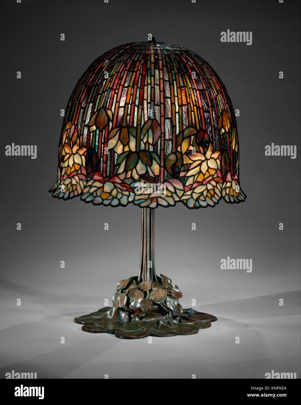Lampe. Designer: Conçu par Louis Comfort Tiffany (1848-1933, New York New York); bouilloire: Photo Stock