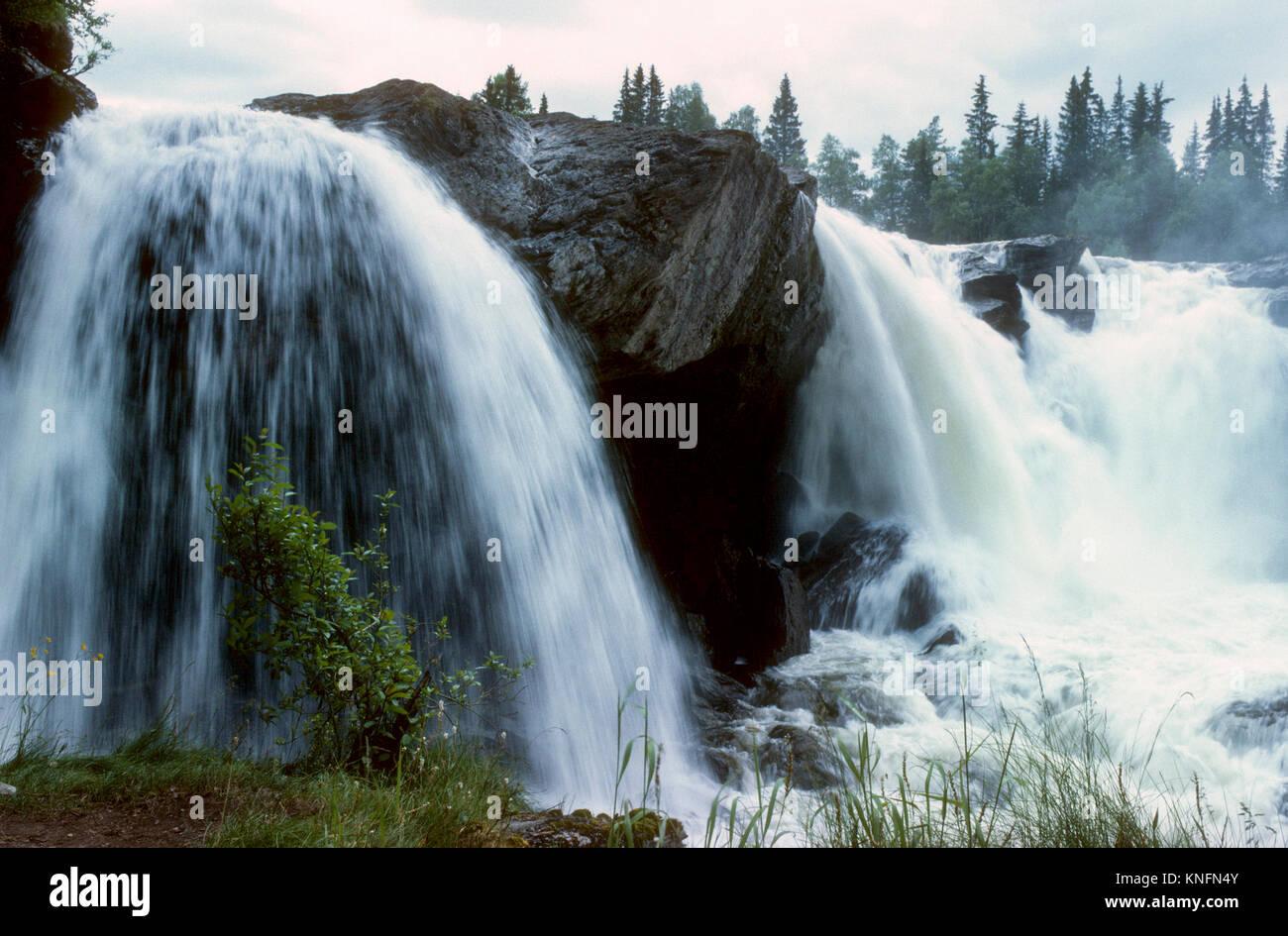 RISTAFALLET suédois dans l'une des grande cascade Jämtland en Suède à Indalsälven 2011 Photo Stock