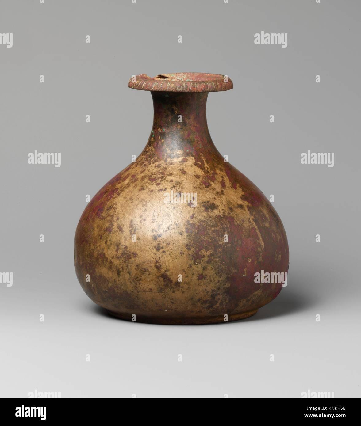 Verseuse en bronze. Période: Hellenistic; Date: 3e-1e siècle avant J.C, Culture: Photo Stock