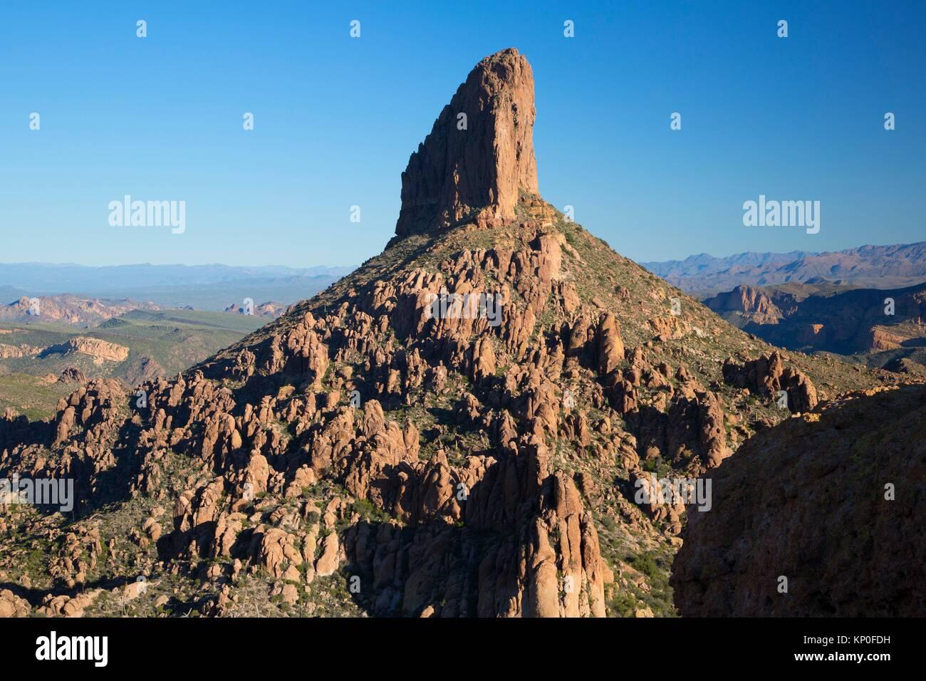 Aiguille de tisserands Peralta Trail, la superstition Désert, forêt nationale de Tonto, Arizona. Photo Stock