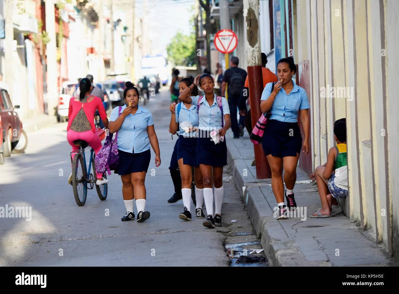 Lycéenne en uniforme,Santa Clara, Cuba. Photo Stock