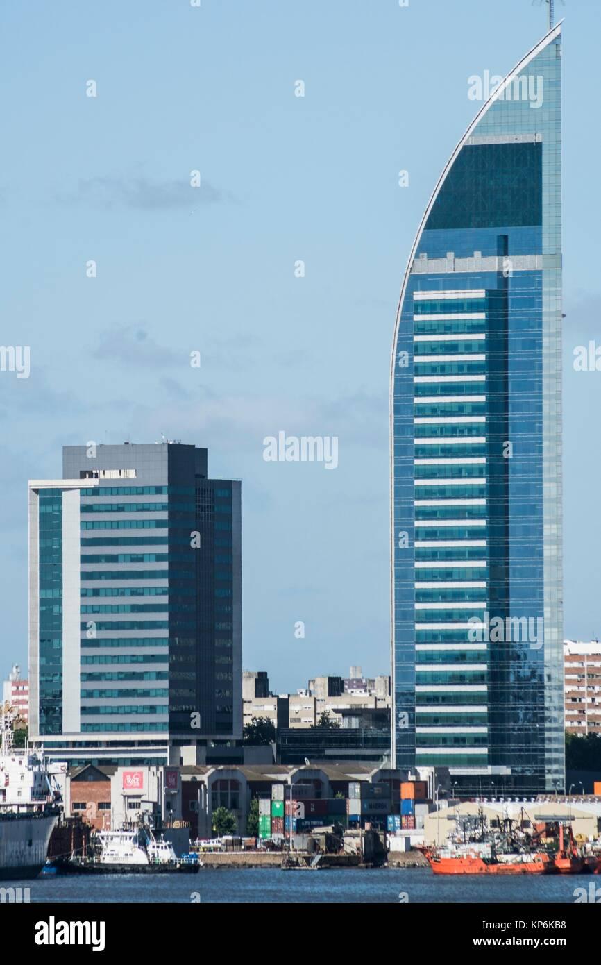 La tour de télécommunications de Montjuic (Torre de las Telecomunicaciones), Antel Tower (Torre Antel), Photo Stock