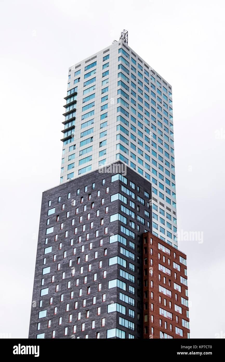 Montevideo, l'architecture moderne au Kop van Zuid à Rotterdam, aux Pays-Bas, en Europe. Photo Stock