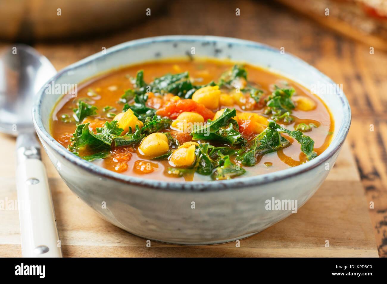 Soupe de pois chiches aux épices marocaines Photo Stock