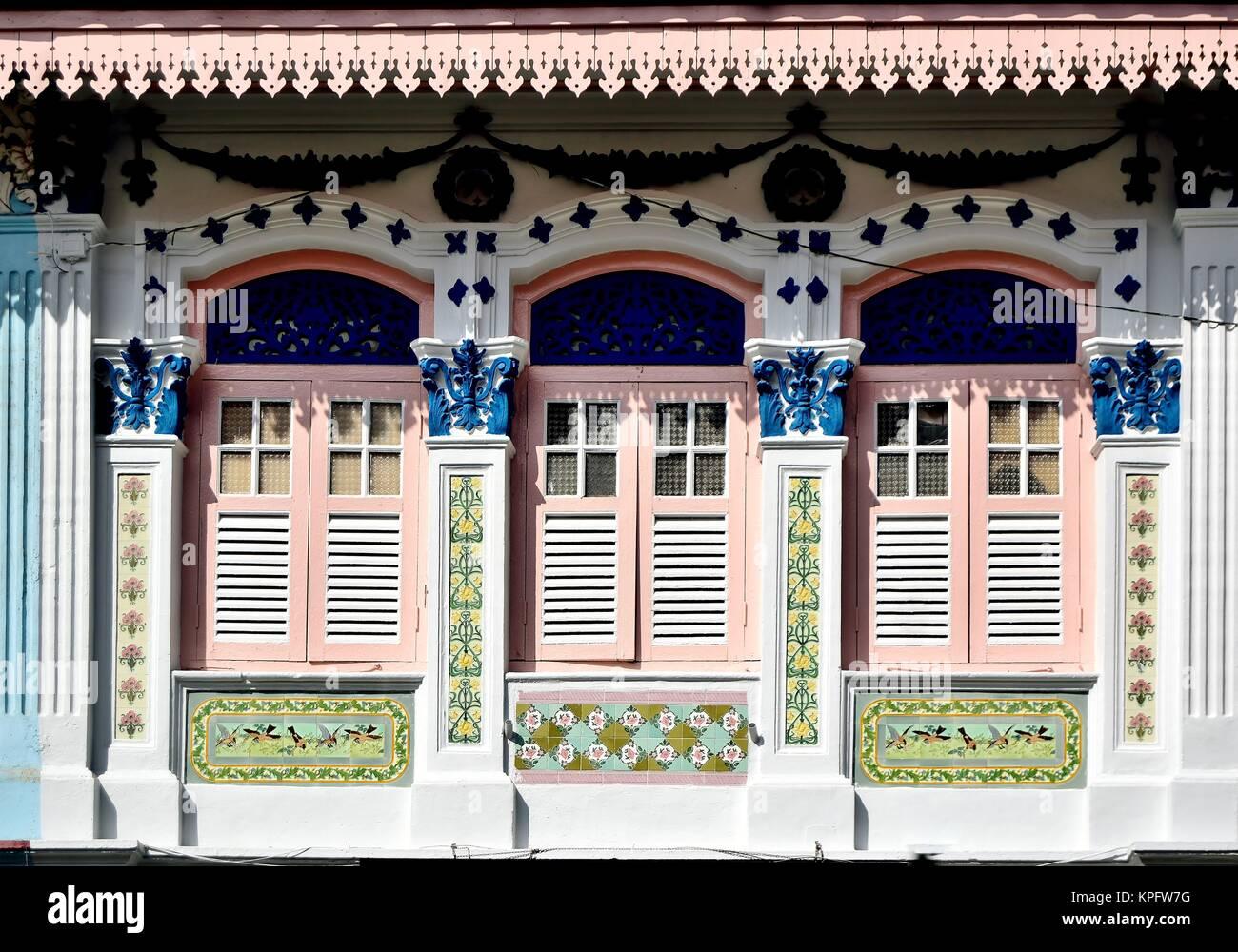 Singapour chinois classique shop chambre avec fenêtres, volets en ...