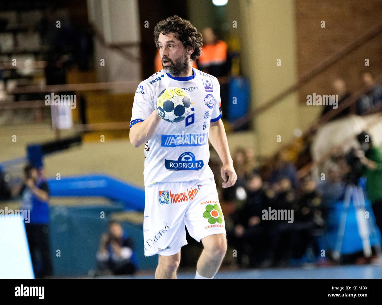 Leon, Espagne. Déc 16, 2017. Juanin Garcia (Ademar Leon) en action pendant la match de hand d'espagnol Photo Stock