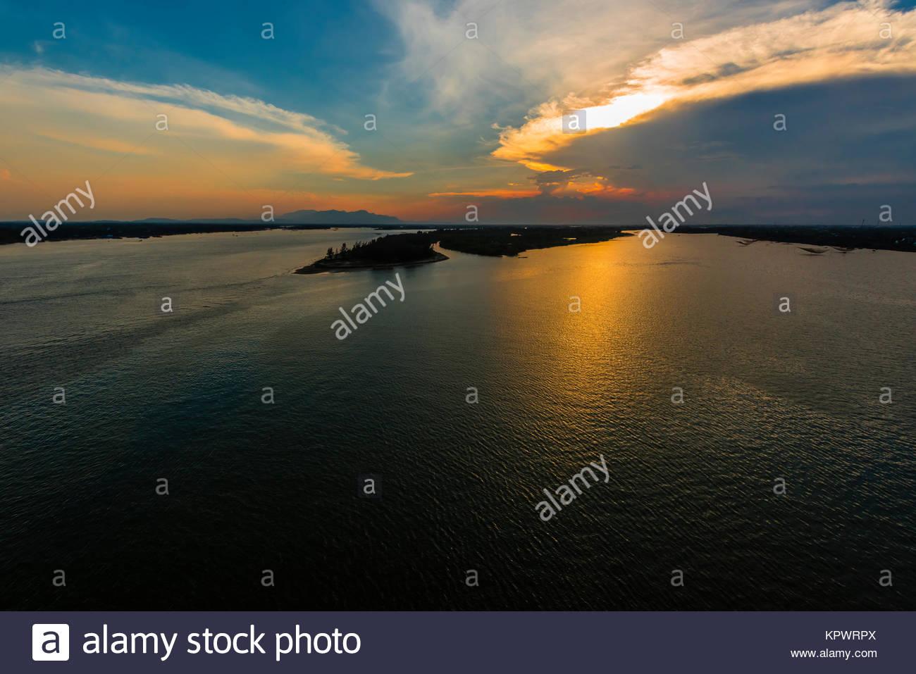 La rivière Thu Bon, près de Hoi An, Vietnam. Photo Stock