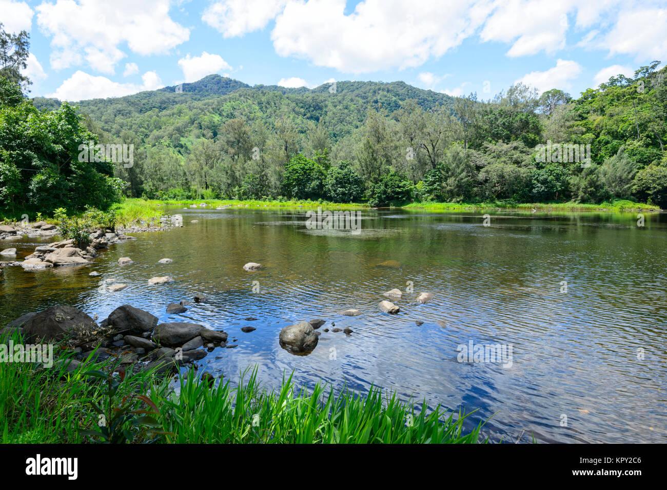 Vue sur le pittoresque lac Placid, Cairns, Far North Queensland, Queensland, Australie, FNQ Photo Stock