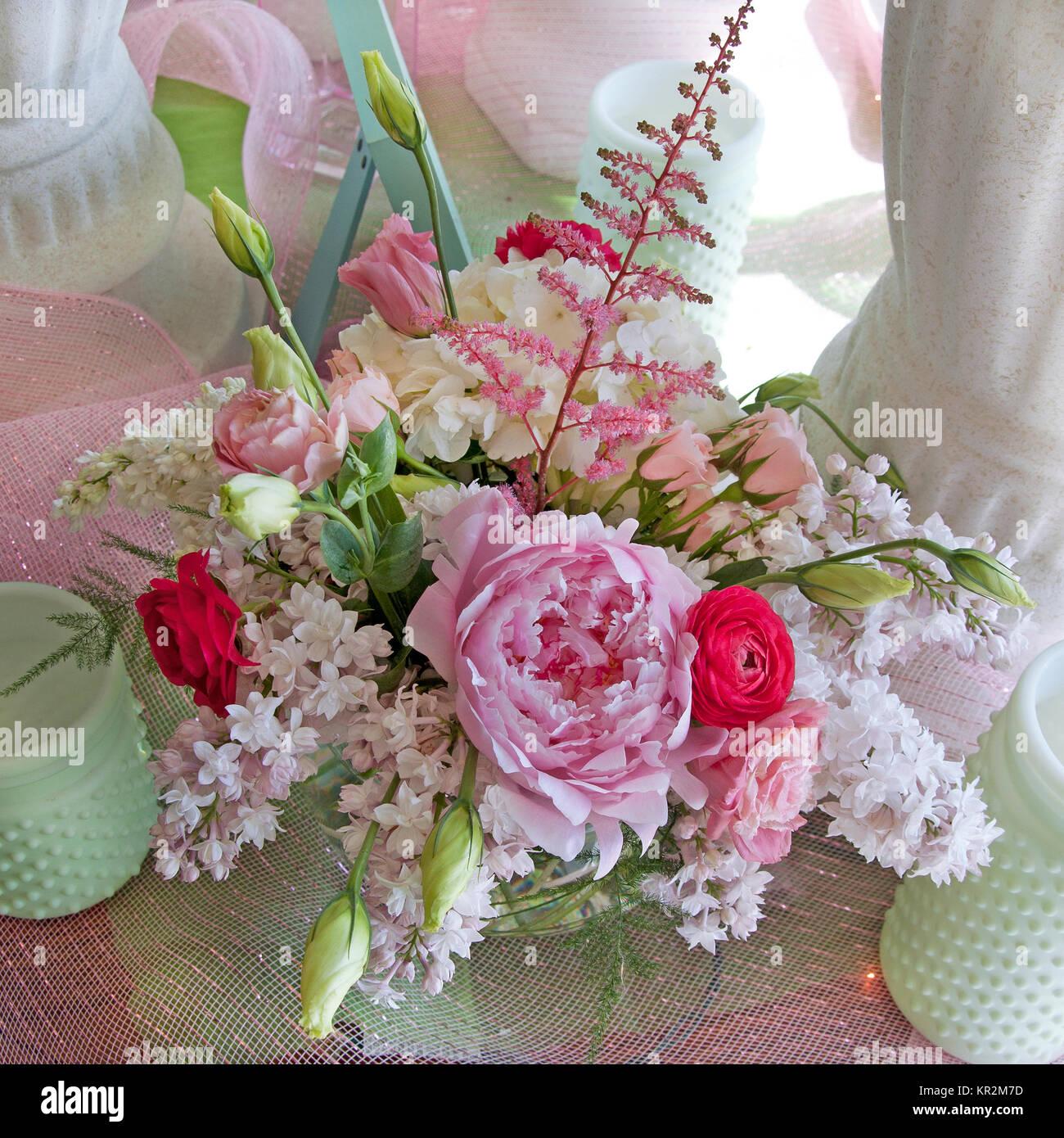 Photo D'un Printemps Bouquet De Mariée Rose Et Blanc Avec