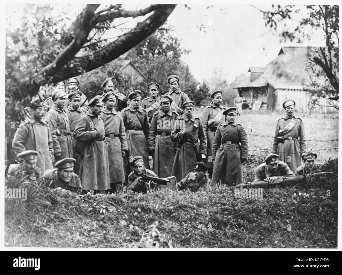 Après que le général Kornilov n'a renverser Kerensky's régime provisoire, ses partisans Photo Stock